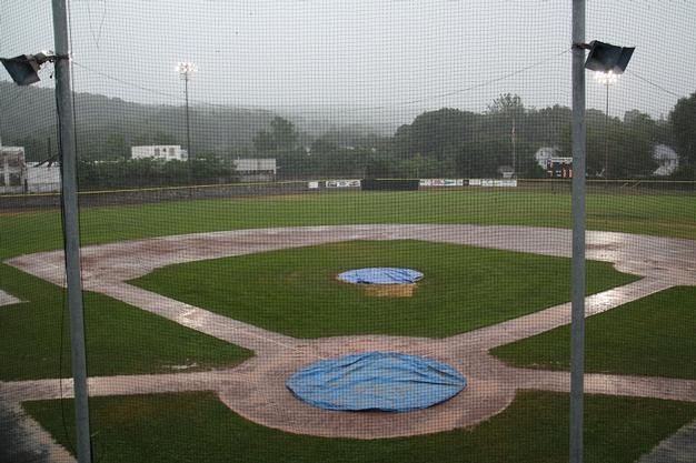 Juniors rained out in Dominican