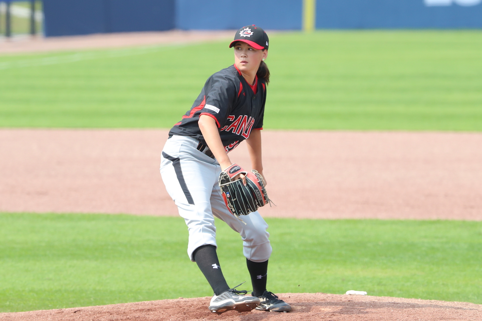 Claire Eccles signs with Victoria HarbourCats