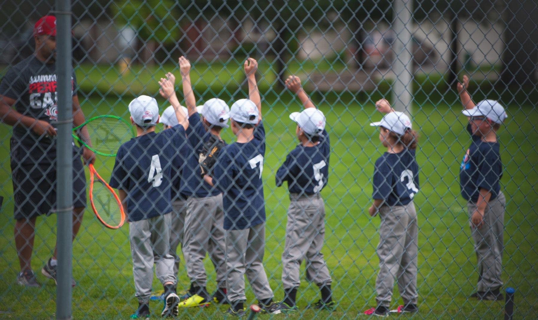 Développement des athlètes: trois façons de s'amuser au baseball au niveau initiation