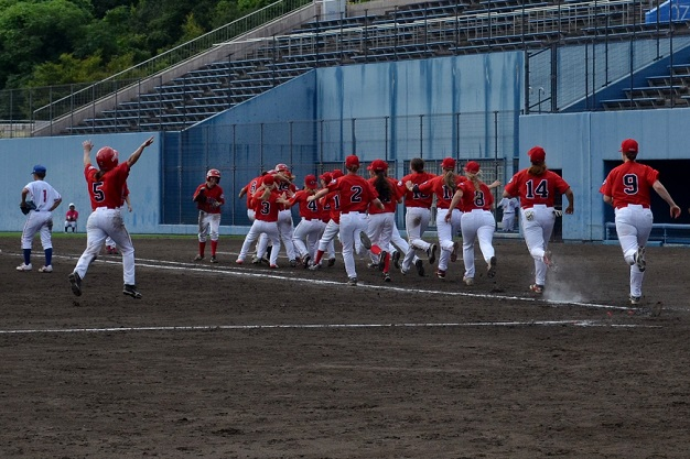 Savoie leads Team Canada to walkoff victory and second-round World Cup berth